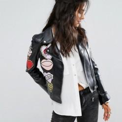 giacca donna chiodo eco-pelle con patch e cristalli